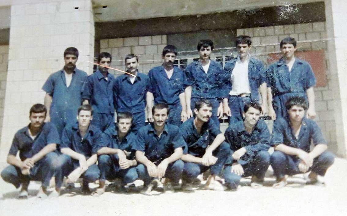 عکسی از جناب آقای قربانعلی قنبری قاضی جهانی یکی از آزادگان سرافراز کشورمان از قاضی جهان در زندان الرمادیه عراق