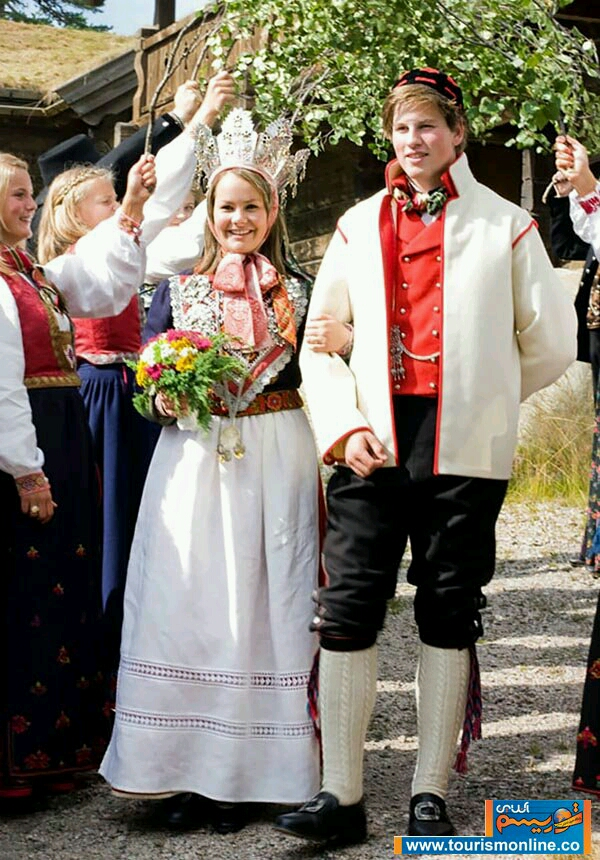 رنگي ترين عروس هاي دنيا را اينجا ببينيد                   11