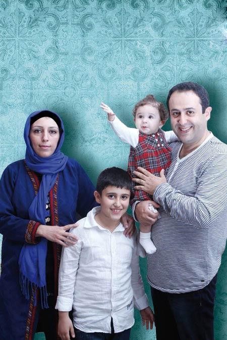 ابراهیم شفیعی با همسر و فرزندانش