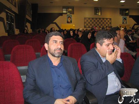 تصاویرمراسم یادبود مرحوم کربلایی فرج الله اکبری با حضور مدیرکل آموزش و پرورش فارس