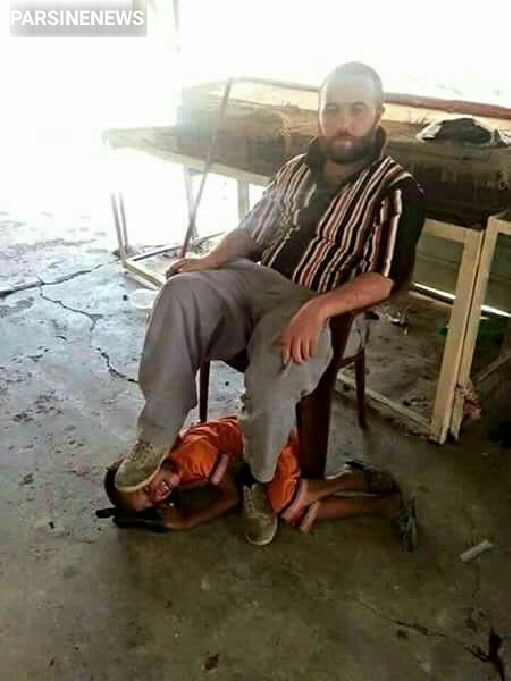 🔹آزار و اذیت پسر بچه کردستانی توسط نیروهای تروریستی تکفیری که آمریکا به آنها میانه رو میگوید!