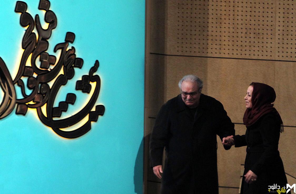 محمد کاسبی با همسرش در افتتاحیه جشنواره 35 فیلم فجر