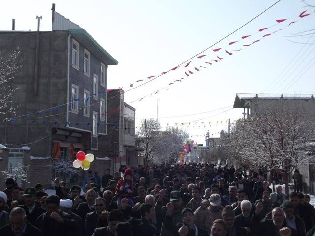 تقدیروتشکر از حضورگسترده شهروندان محترم شهرکرسف در راهپیمایی 22 بهمن وگزارش تصویری راهپیمایی