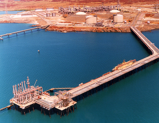http://s1.picofile.com/file/8286734126/Woodside_LNG_Jetty01.jpg
